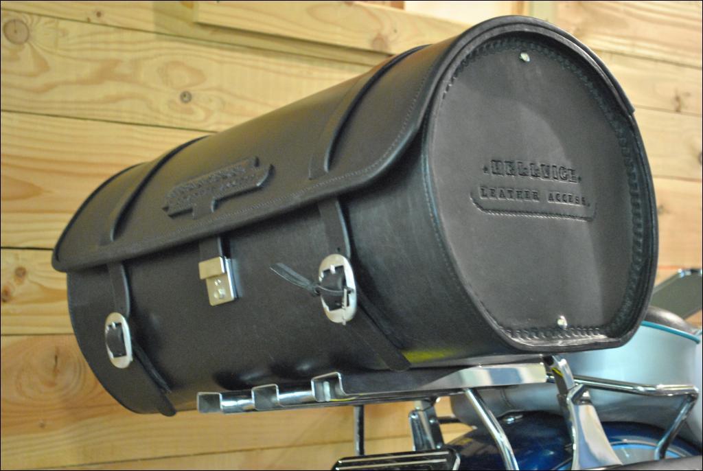 hellvice leatheraccess sacoche selle bagagerie cuir harleydavidson motocustom. Black Bedroom Furniture Sets. Home Design Ideas